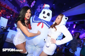 Stay Puft Marshmallow man is a douche